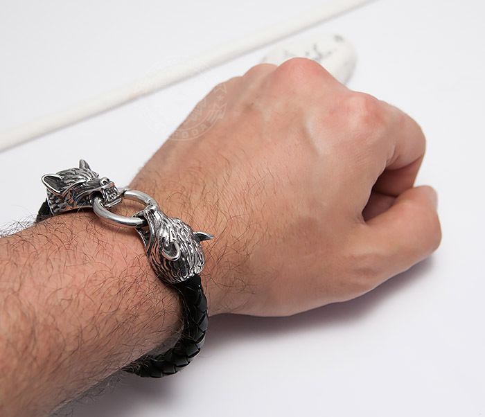 BM471 Мужской браслет из шнура со стальными волками (20 см) фото 06