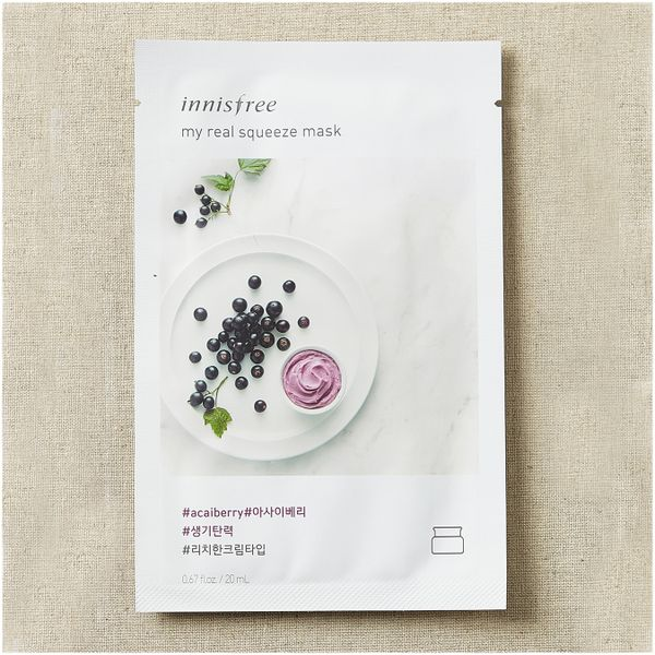 Тканевая маска для лица с соком ягод Асаи Innisfree My Real Squeeze Mask Acai Berry, 20 ml